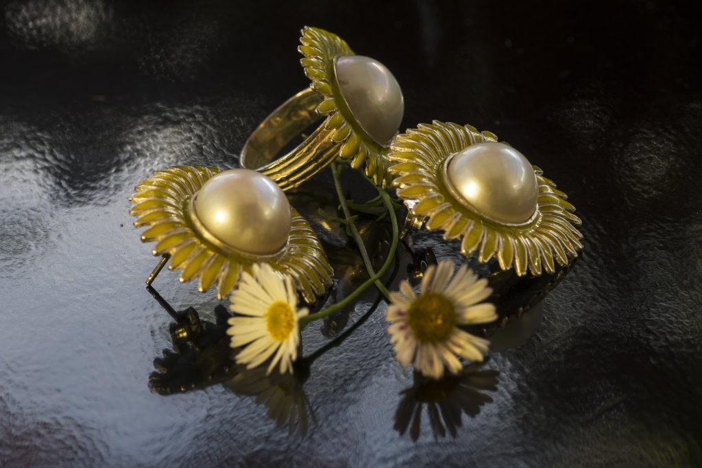 Parure in argento smalti e perla mabè